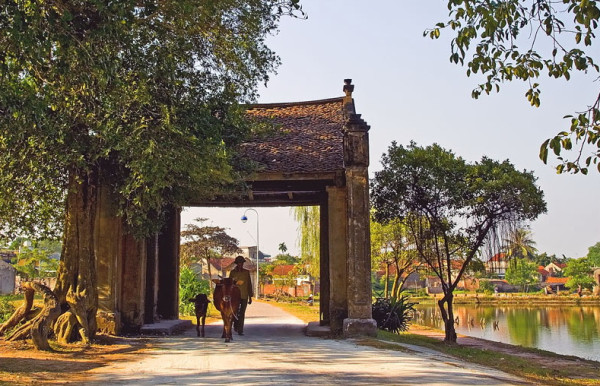 Impressive and beautiful ancient gate to the village of Duong Lam