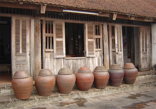 Old house at Duong Lam Village