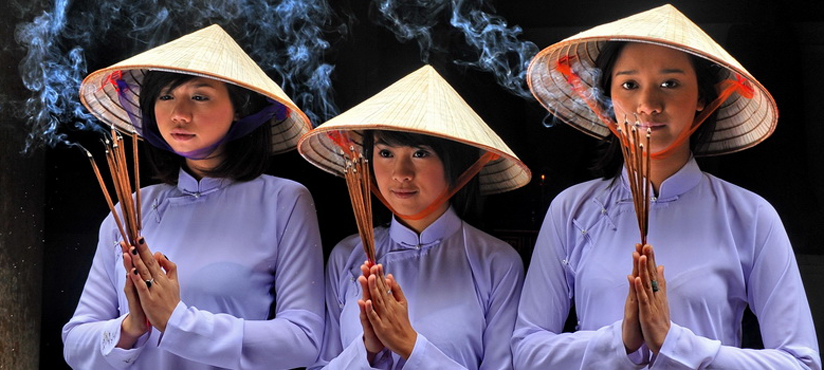 Vietnamese Girls in Ao Dai