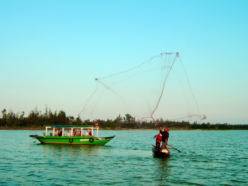Fisherman on Thu Bon River, Hoi An