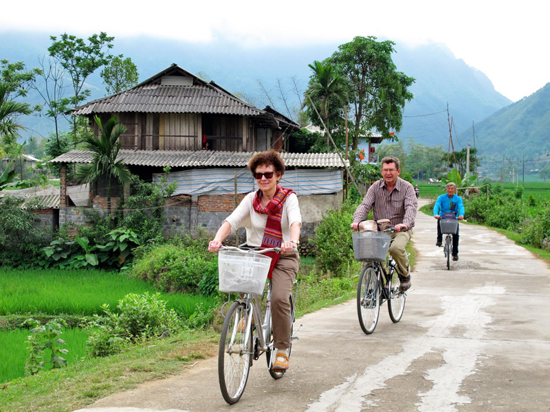Biking tour at Muong Lo, Nghia Lo, Vietnam