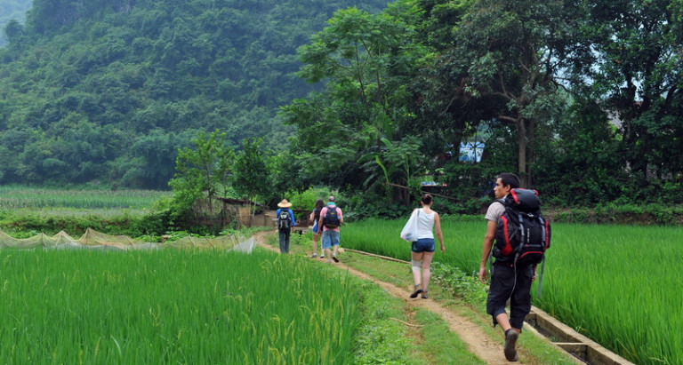 trekking north vietnam