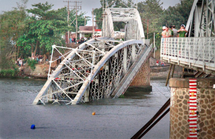 Collapse Of Genh Bridge