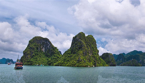 Ngoc Vung Island in Halong Bay