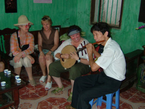 travel with travel agency in vietnam