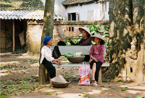 Local people living nearby Tay Phuong Pagoda