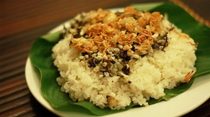 Sticky Rice with Ant Eggs