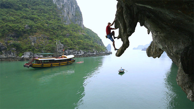 Mountain Cimbing in Halong Bay, Vietnam