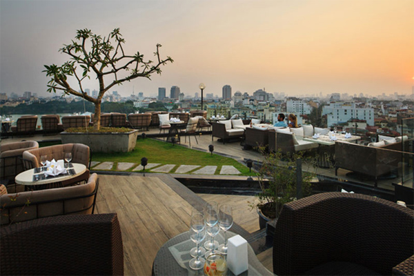 Skyline Hanoi Restaurant offers Panoramic View over the Old Quarter