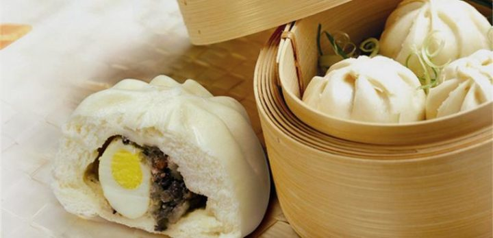 Banh Bao Hue - hot dumplings is a type of Hue street food