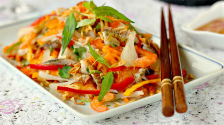 Gỏi Cụ Kiệu Tôm Khô (salad with pickled small leeks and dried shrimp)