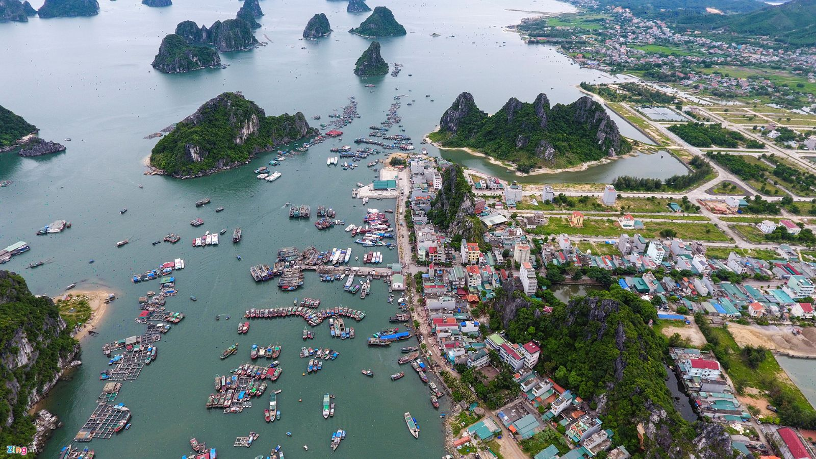 Cai Rong Port - Where to get boat to Banh Sua Island