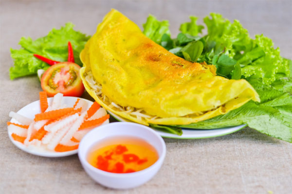 Bang Trang - Saigon pancake to tast during the street food