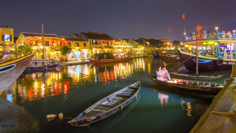 Hoi An Travel in Full Moon