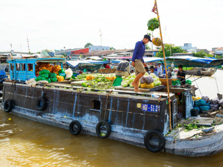Visit to Cai Rang Floating Market in Can Tho