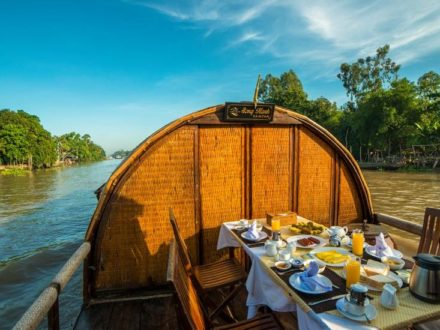 Mekong Delta Tour with Song Xanh Sampan Cruise