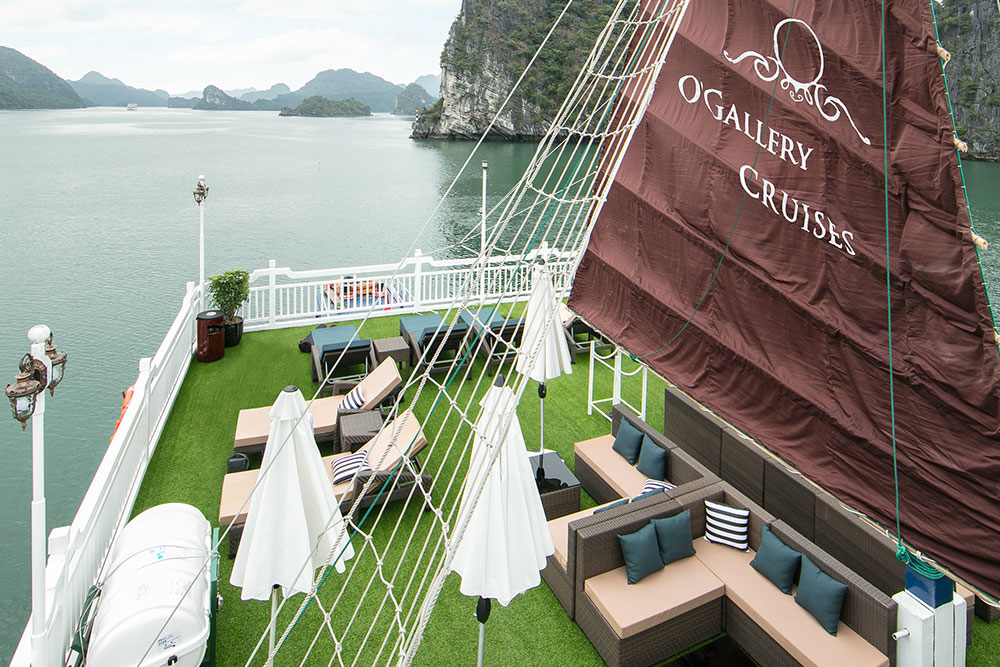 Cruising in Halong Bay on Chrismas Eve