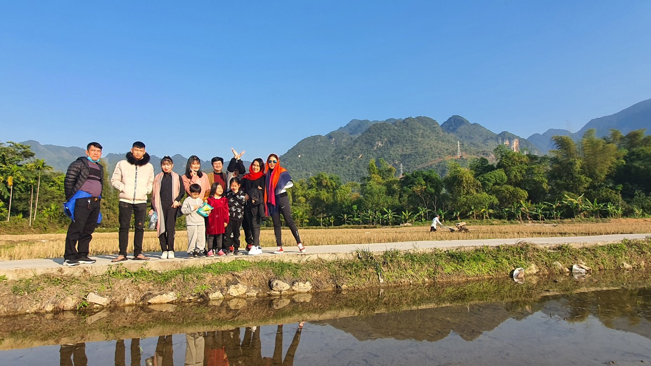 Vietnamese tourists travel with Indochina Charm Travel